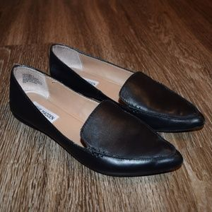 Steve Madden Leather Black Feather Flats